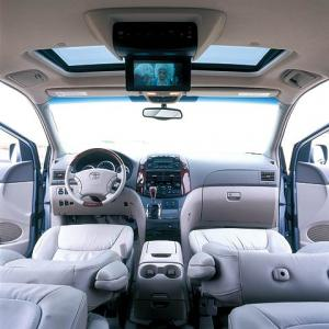 Toyota Sienna 8 Seater car hire