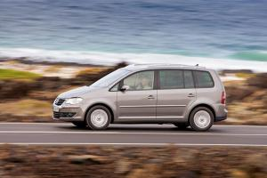 Volkswagen Touran 7 seater car hire